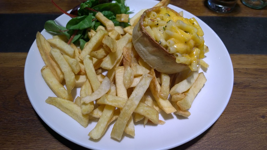 Macaroni Pie, Old Salty's, Argyle Street