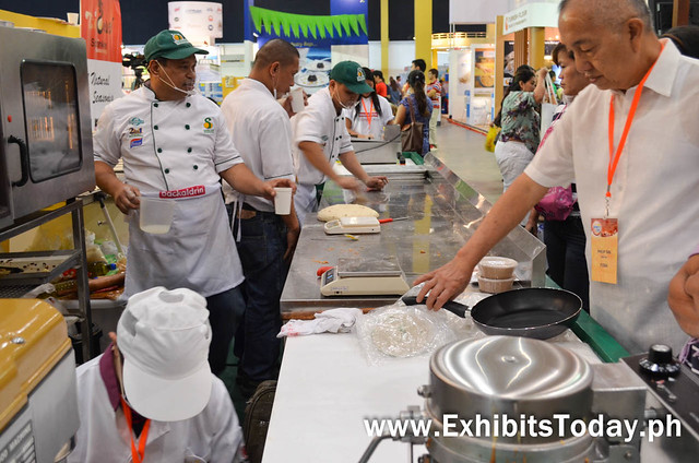 Baking Demo at Sanmei Exhibit Booth