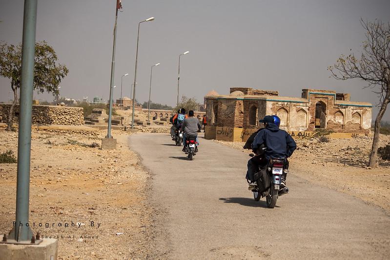 KTG Bikers short trip to makli graveyards thatta sindh - 16509612612 08050350ce c