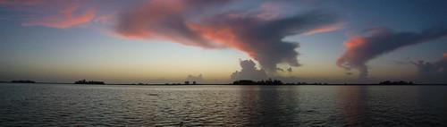 sunrise us unitedstates florida kayaking paddling indianriver fortpierce torpeyoaksmobilehomepark