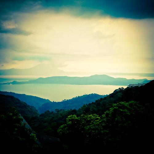lake water philippines crater tagaytay taal tagaytaycity calabarzon 20130604