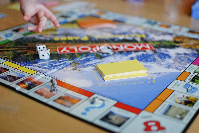 playing monopoly2