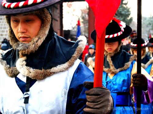 El cambio de guardia en el Palacio de Deoksugung es uno de los actos que no hay que perderse por su historia y tradición