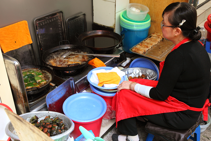 Bun Cha Dac Kim Lady-Cooking