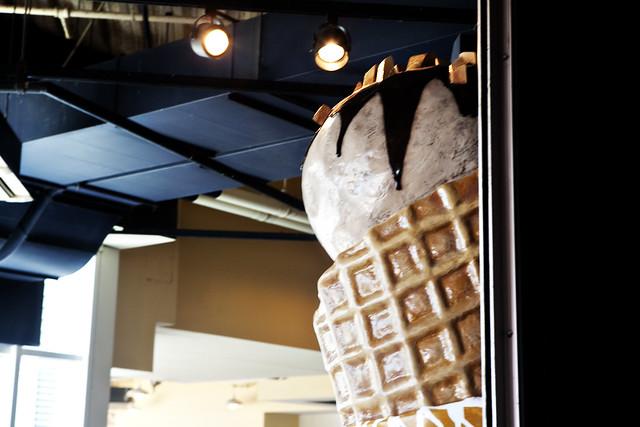 Navy Pier Häagen-Dazs - Big Ice Cream Cone