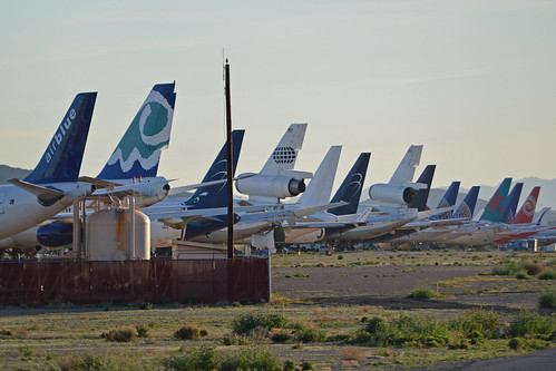 Stored airliners at Goodyear, Arizona