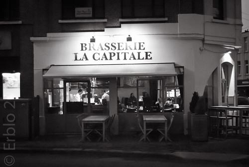 'Brasserie La Capitale', Ilford HP5 pushed to iso 800, Nikon F401X
