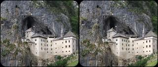 Afbeelding van Predjama Castle in de buurt van Bukovje. castle 3d stereo chateau grad predjama
