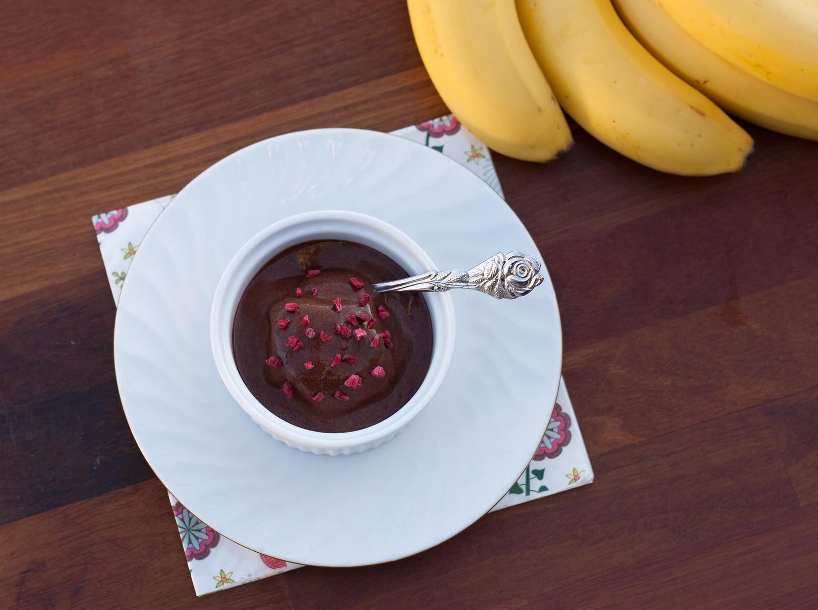 Opskrift på super lækker og sund chokolade/bananis, hjemmelavet