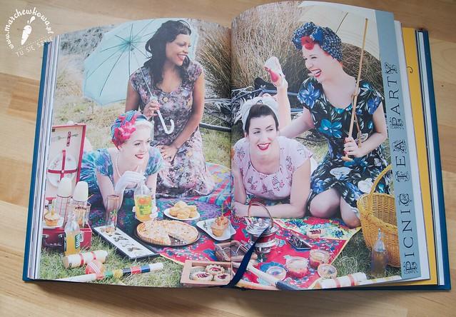 marchewkowa, blog, szafiarka, moda, retro, vintage, 50s, książka, The Vintage Tea Party Year, Angel Adoree, herbatka, przyjęcie, przepisy, stroje, instrukcje, TK Maxx