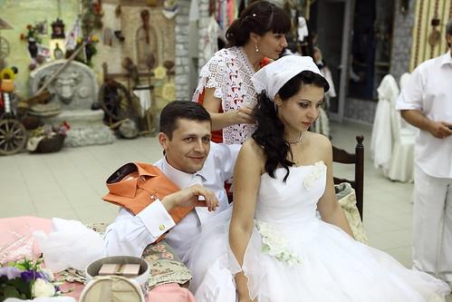 """Concursul Obiceiul """" Dezbrăcatul miresei!!!"""" > Valentina Ghercavi"""