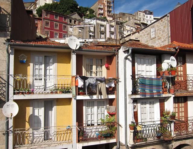 Windows of Porto, Portugal by Flickr CC Su-May