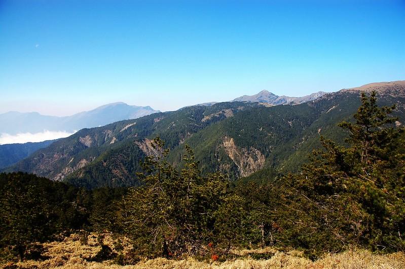 三叉、向陽、關山(From 布拉克桑山稜) 1