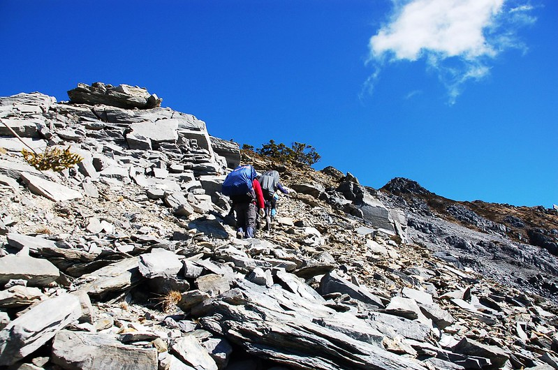 攀越無明斷崖 24