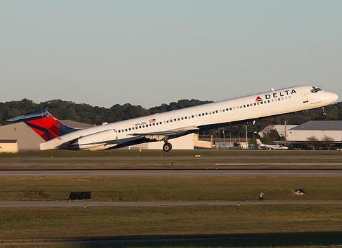 N962DL Delta Airlines McDonnell Douglas MD-88