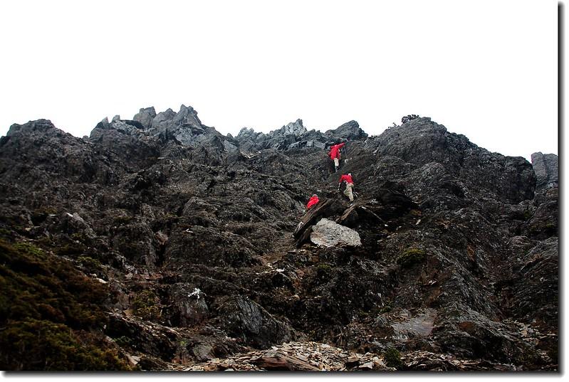 攀登玉山南峰