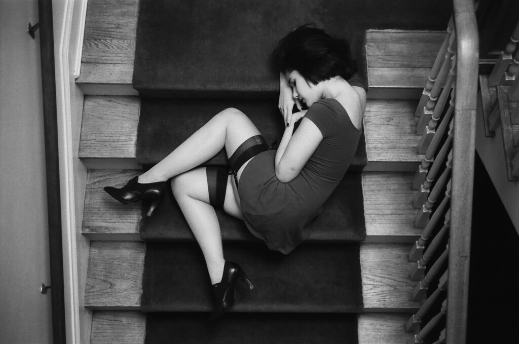 Rivi - Lying on the staircase