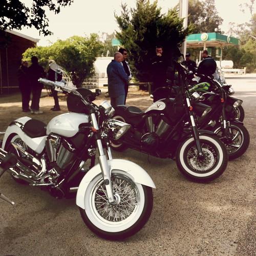 WA Victory Riders. #boardwalk #highball #victorybikes @victorybikes #victory #victorymotorcycle #motorcycle #motorbike #cruisers #usa #bp #hipstaoftheday #hipstsjunky #colabahipstapak #reveal #makebeautiful