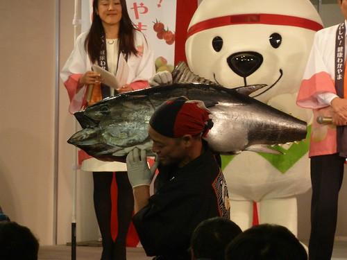 まぐろの解体ショー@ふるさと祭り 東京