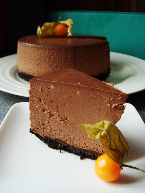 Slow Cooker Chocolate Cheesecake: Creamiest Interior