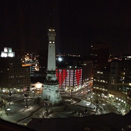 Awww! The view from our room. We didn't even ask for a view or upgrade :-) #circlecity #indianapolis #inartfair