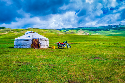 sky home nature grass horizontal clouds landscape outdoors day wideangle motorbike mongolia cycle transportation yurt moto motorcycle 오토바이 residence everydaylife abode ger dwelling 摩托車 colorimage 하늘 구름 蒙古包 монголулс 모터바이크 몽골 гэр mongoluls arkhangaiprovince архангай 주거 canon24mmf14lii 모터사이클 蒙古国 mongγolulus thegreatsteppe 아르항가이 northernkhangai 后杭爱省 유르트
