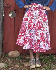 yard sale wrap skirt from Weekend Sewing