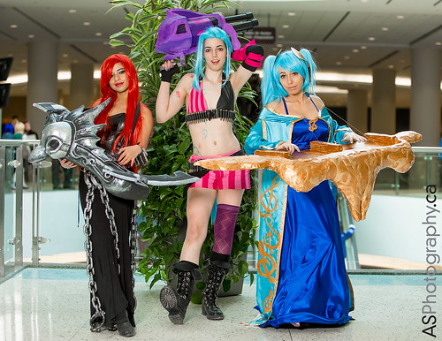 Sona Buvelle, Jinx by Jennerz Cosplay, Sona Buvelle from League of Legends  at March Toronto Comic Con 2014 by andreas_schneider