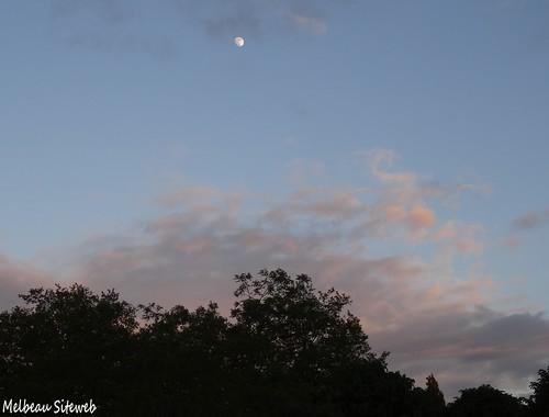 L'arc en ciel & la lune