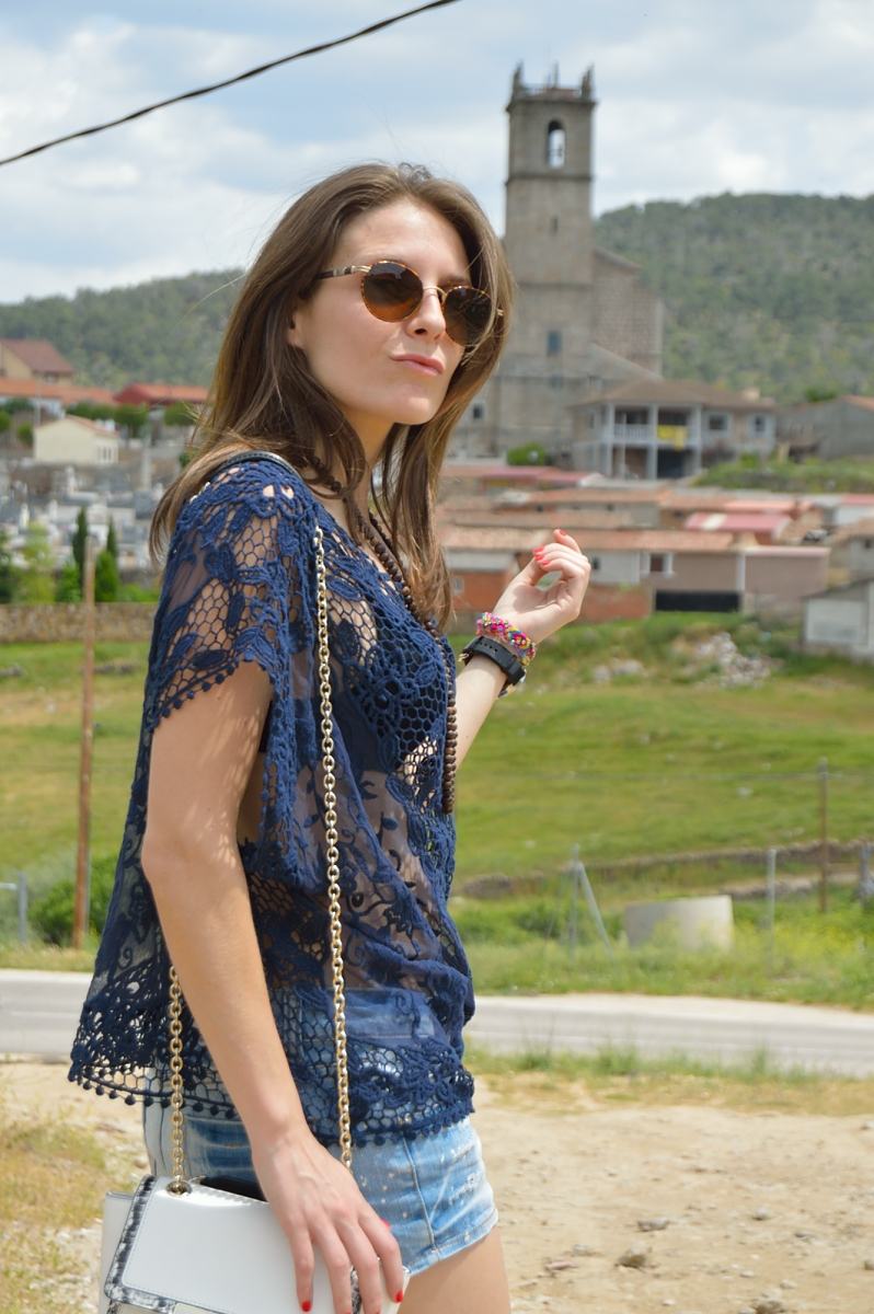 lara-vazquez-madlula-blog-lace-blue-denim-classic
