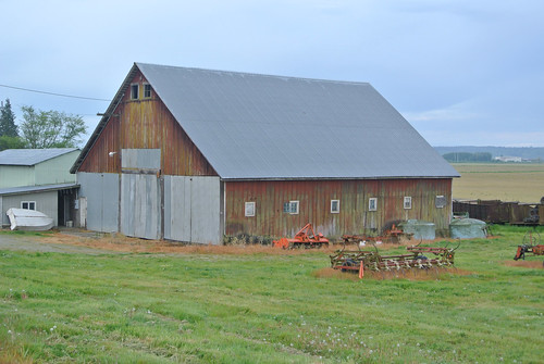 April Bicycle Camping day 6 - Barn in the Skagit Valley