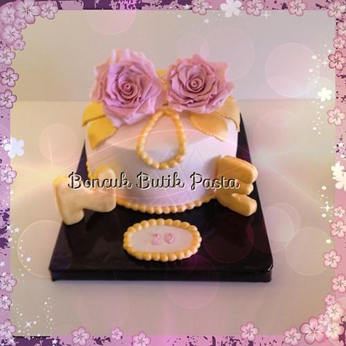 #InstaEffectFX#Evlilik yıldönümü#weddingcake#wedding#boncukbutikpasta#cakeart #cakecraft #rose#gold#rosecake