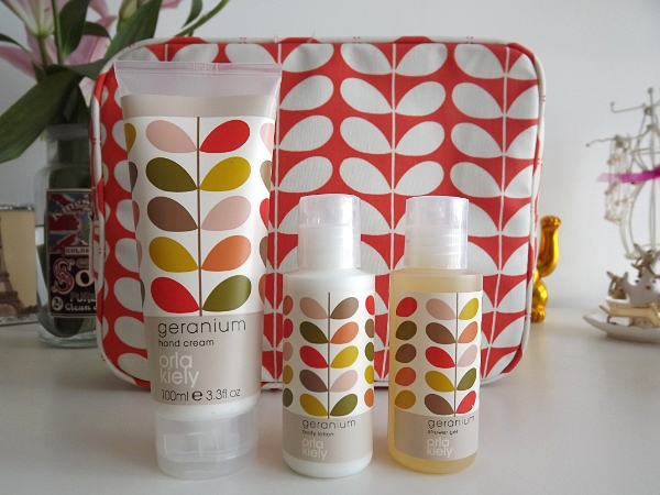Orla Kiely Geranium Wash Bag