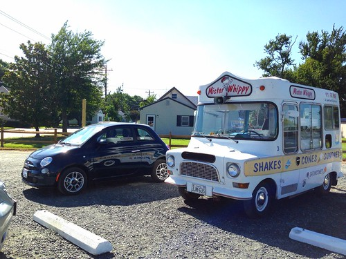 Mister Whippy ice cream truck and Fiat 500