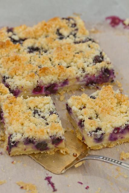 Mustikakook. Blueberry cake.