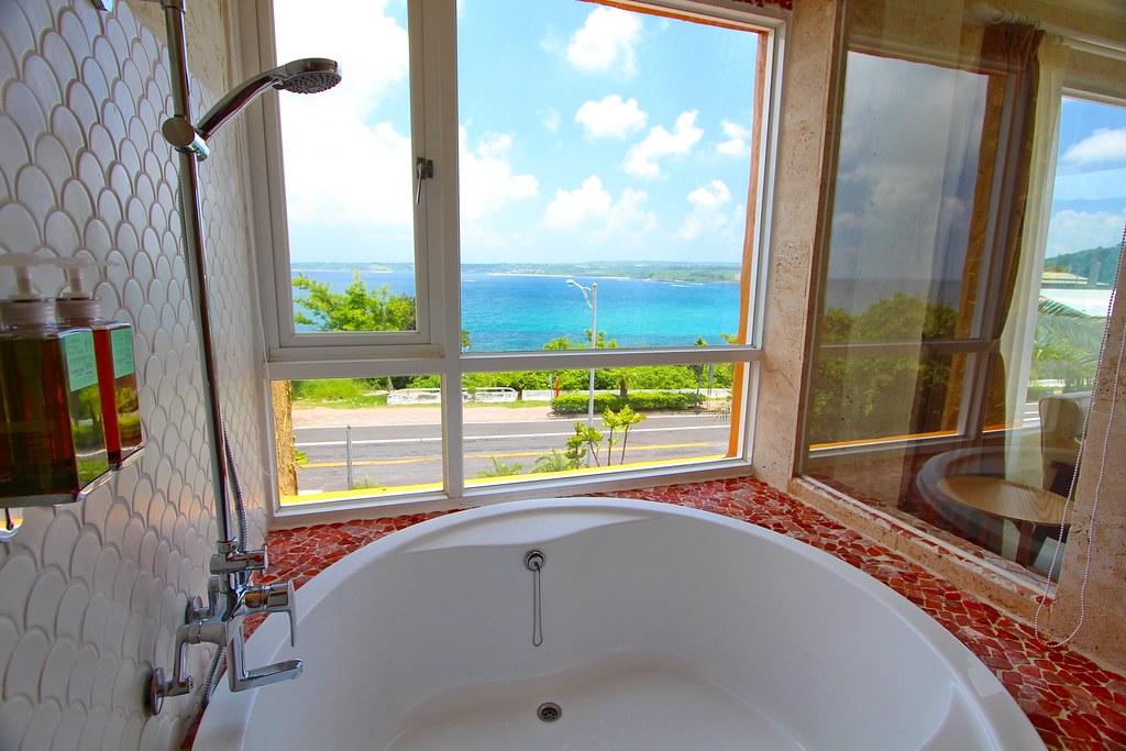 二樓浪漫海景雙人房浴缸IMG_1066