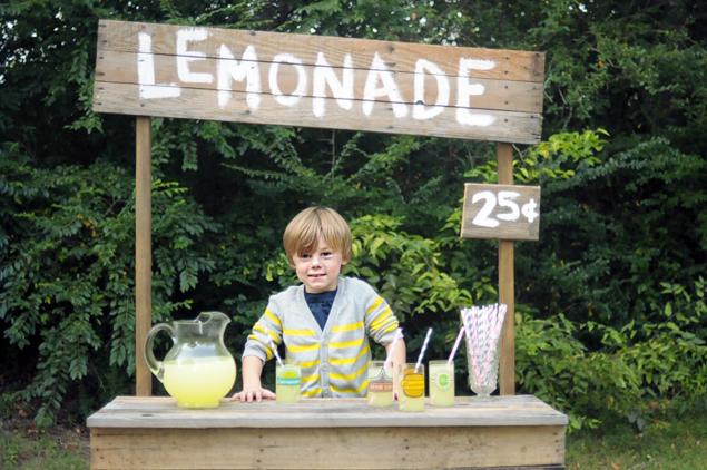 Lemonade_Stand_DIY_6