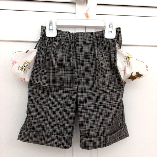 Mud Puddle Splasher Shorts with contrast pockets #sewing #distractions #nik