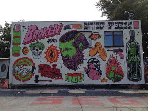 Broken Fingaz by Alternative Berlin Tours