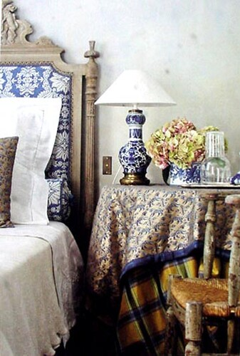 Fortuny-Blue-White Headboard-5x7