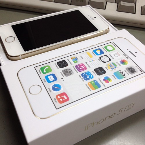iPhone5Sゴールド32GB by haruhiko_iyota