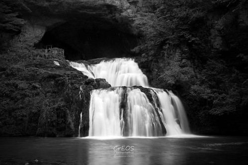 white black france nature water river pose dark waterfall eau long exposure dramatic rivière sombre cascade source doubs longue lison loue dramatique nanssoussainteanne