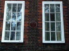 Photo of Ellen Terry brown plaque