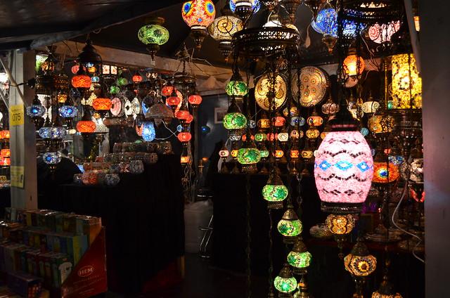 Wiesbaden Sternschnuppenmarkt Christmas lights stall