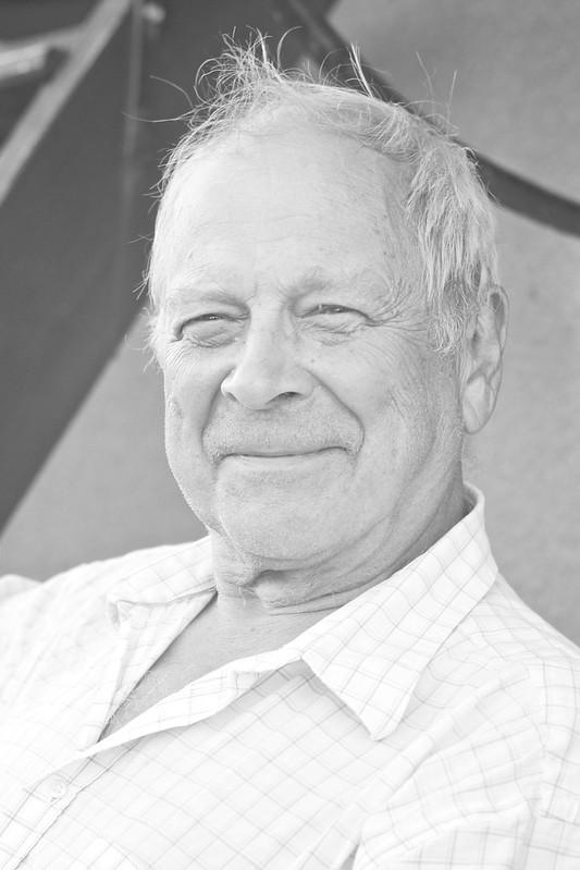 покойся с миром, Мой дедушка...