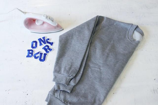 How to make a graphic sweater www.apairandasparediy.com