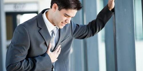 Tăng 39% nguy cơ mắc bệnh tim ở người trẻ có cholesterol máu cao