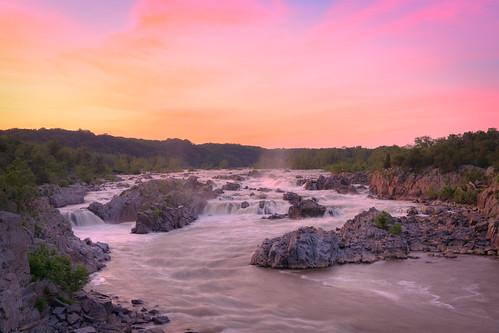 longexposure sunset virginia waterfall greatfalls potomacriver northernvirginia greatfallspark greatfallsva summersunset
