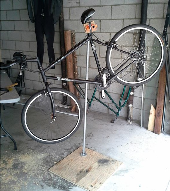 Diy Bicycle Repair Stand By Andrew Li Bikecommuters Com