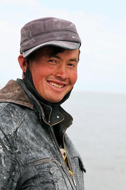 Smiling Kazakh guy, Barkol バルクル、笑顔のカザフ人男性